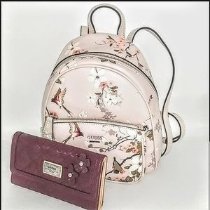 "NWT-Guess ""Midge"" Mini Floral Backpack/Wallet"